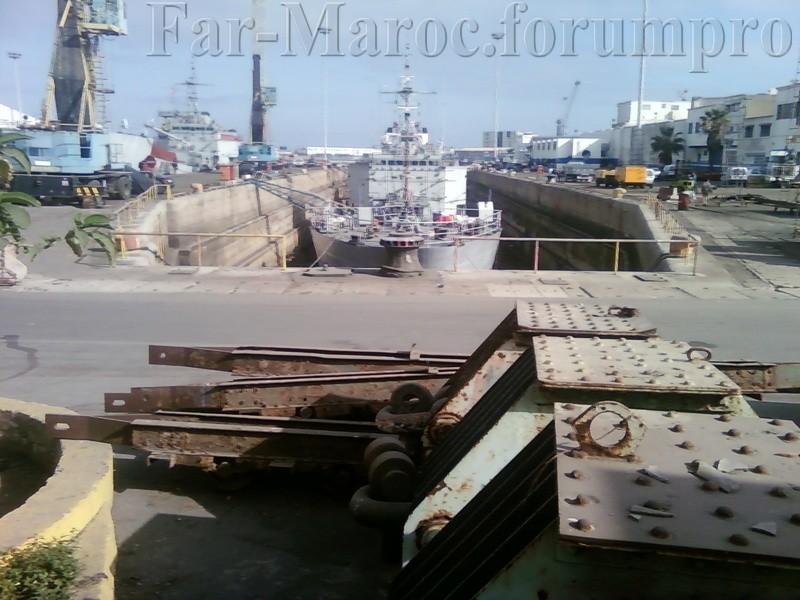 Royal Moroccan Navy Batral LST Class / Batral marocains classe Daoud Ben Aïcha - Page 2 Photo010