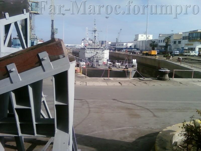 Royal Moroccan Navy Batral LST Class / Batral marocains classe Daoud Ben Aïcha - Page 2 Photo011