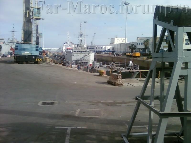 Royal Moroccan Navy Batral LST Class / Batral marocains classe Daoud Ben Aïcha - Page 2 Photo012