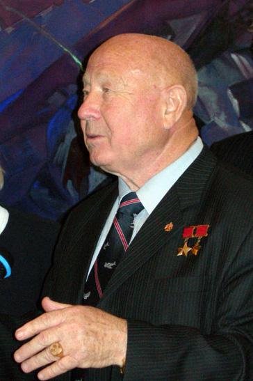 Leonov Leonov12