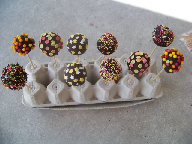 Cake pops - Page 3 01710