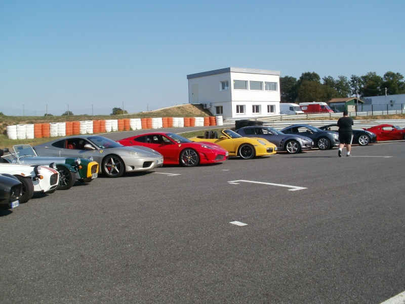 Paradis Porsche 2011 - St Tropez les 07, 08 et 09 octobre : séjour... - Page 4 P1010054