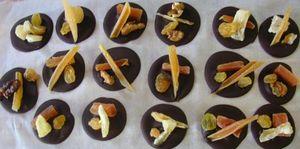 chocolat - Mendiants au chocolat et aux fruits secs 70952411