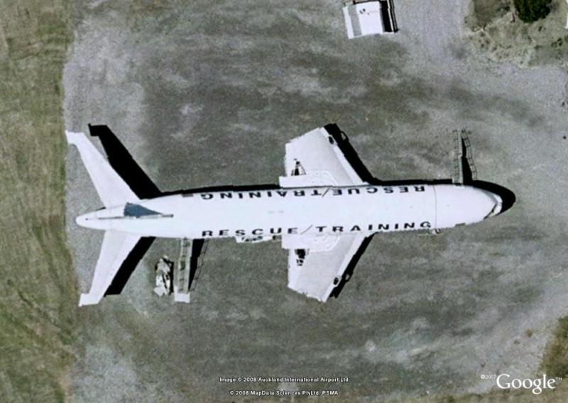 Avion Aéroport de Dubai [C'est quoi ?] 74710