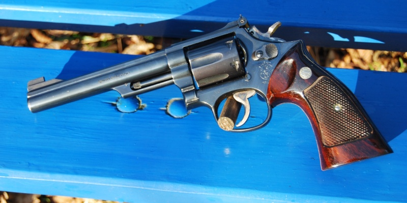 S&W 586-2 ou Colt Trooper Mk III?  - Page 2 Gauche18