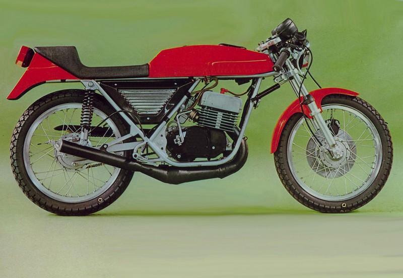 ? moto mystere n°174 ?   trouvée Aaa10