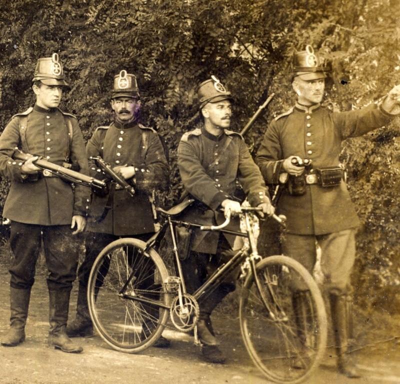 ALLEMAGNE, les cyclistes combattants Nov04210