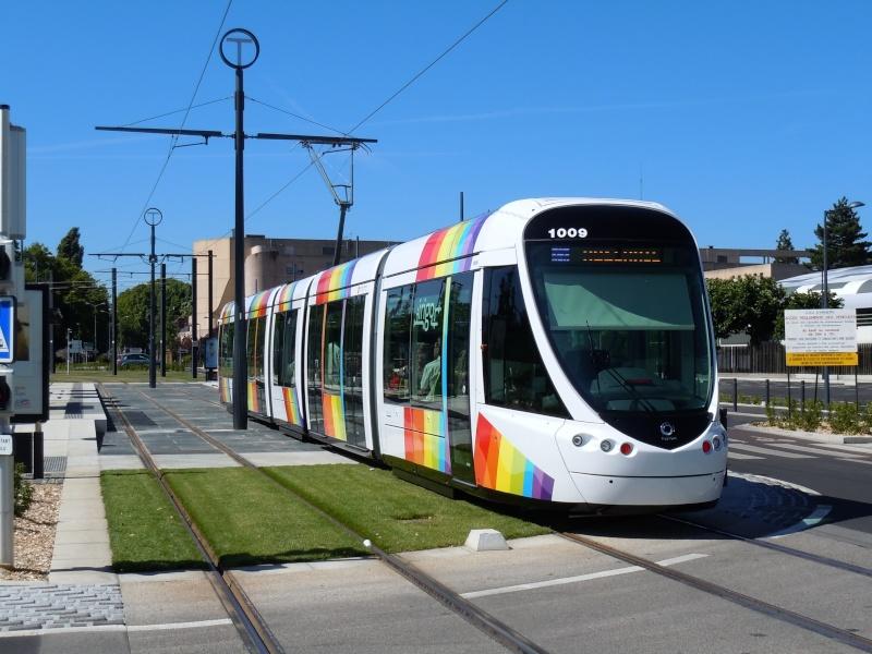 Le tramway d'Angers - Page 4 Dscn2713