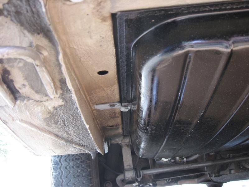 Dépose réservoir à carburant Demont21