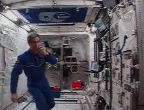 Pendant ce temps, il y avait un Français à bord de l'ISS... Leo310
