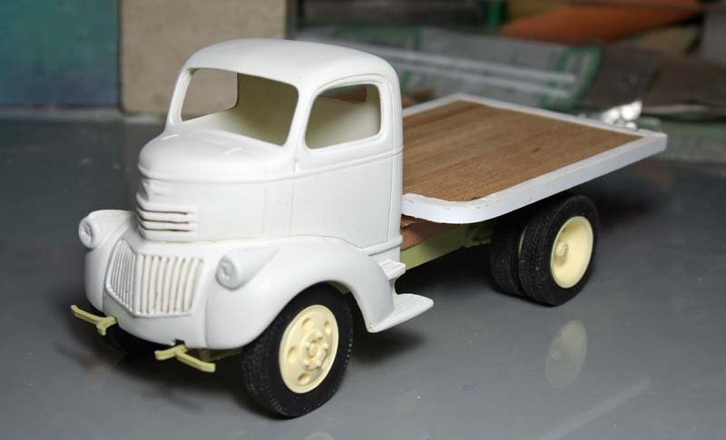 """CHEVY 41 COE """"stake bed"""" : terminé !!!! (06/01/13) - Page 3 Img_3074"""