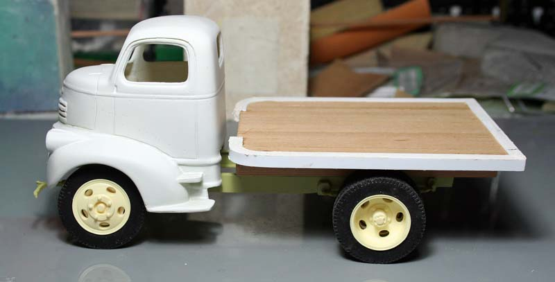 """CHEVY 41 COE """"stake bed"""" : terminé !!!! (06/01/13) - Page 3 Img_3075"""