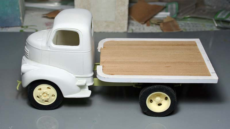 """CHEVY 41 COE """"stake bed"""" : terminé !!!! (06/01/13) - Page 3 Img_3076"""
