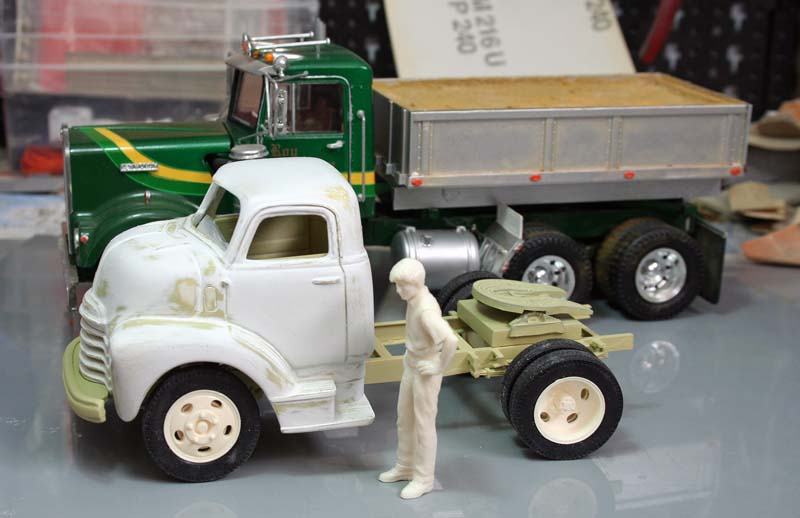 """CHEVY 1948 COE """"tracteur"""" :  Terminé !!!!   (13 / 01 / 13) - Page 4 Img_3237"""