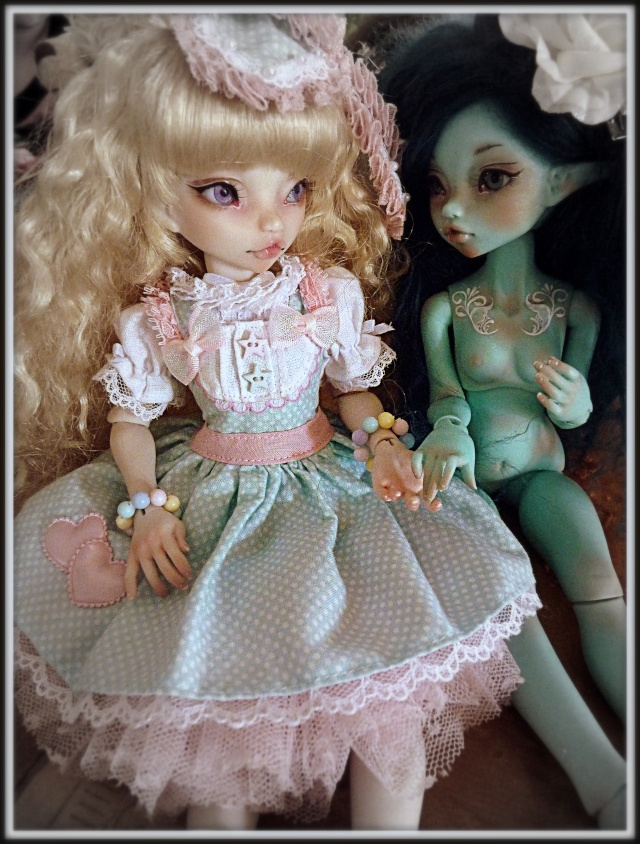 ASELLA DOLLS - Rhubarbe et Reglisse Candy Blue p.31 - Page 5 P1040015