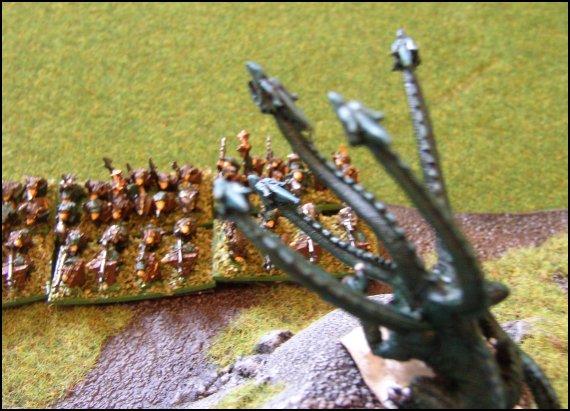 Elfes Noirs vs Skavens - 1500/2000 points Mont_m24