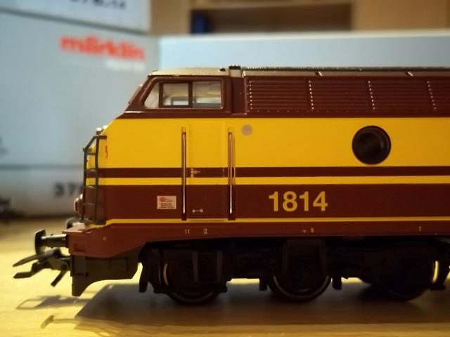 CFL Série 1800 100_2012