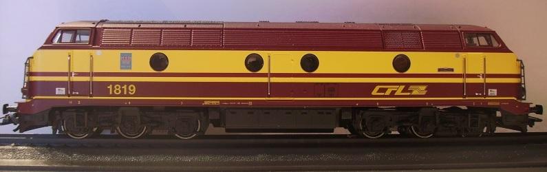 CFL Série 1800 Pict0010