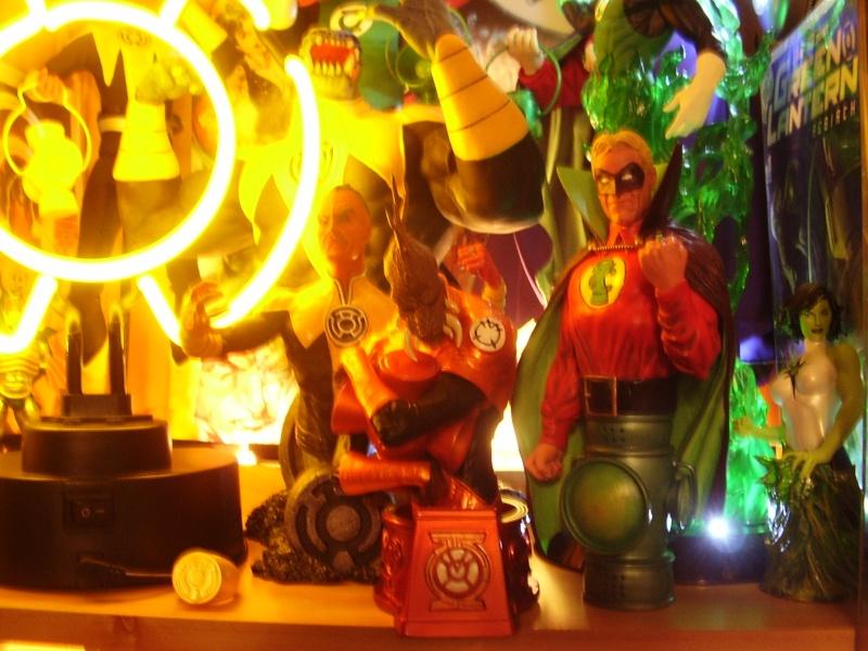 HEROES OF THE DC UNIVERSE: BLACKEST NIGHT: LARFLEEZE THE ORANGE LANTERN Larfle16