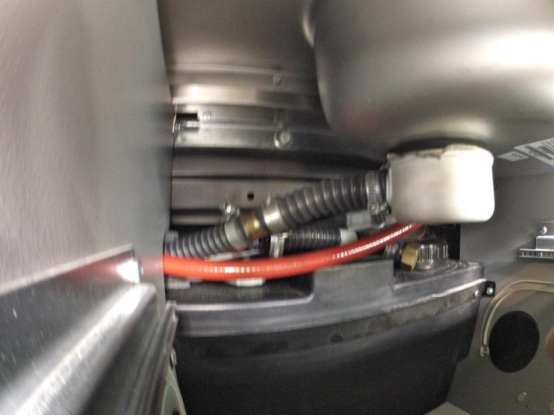 eau chaude, réservoir supplémentaire et centrale électrique Gopr0234