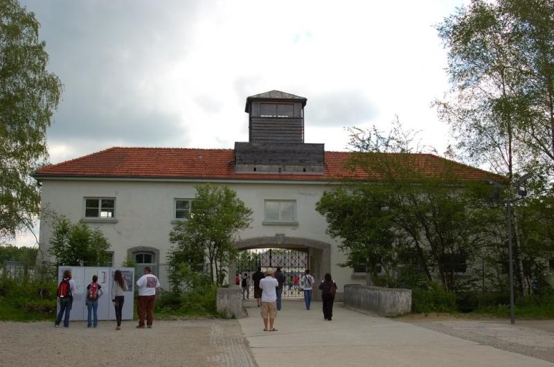 Camps de concentration et d'extermination Dachau12