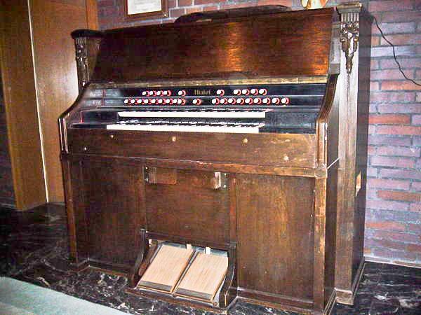 (kunst?)harmonium Hinkel à deux claviers Harmon13