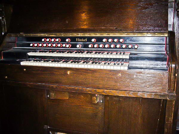 (kunst?)harmonium Hinkel à deux claviers Harmon14