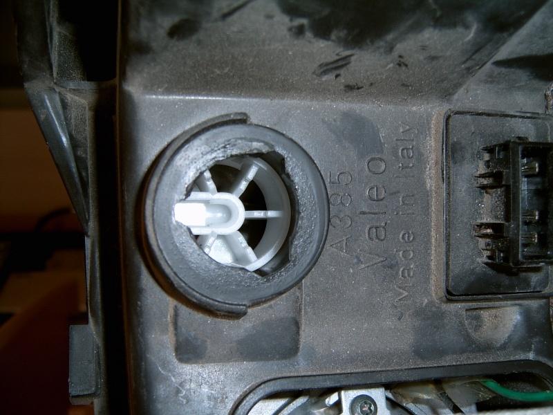 Photo de la commande de réglage automatique des phares Suc30026