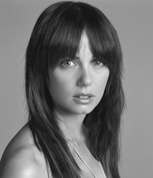 Mia Kirsner (Jenny Schecter) Cast_m10
