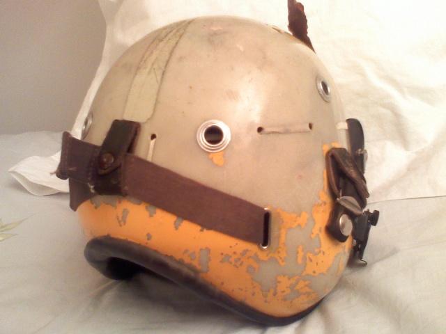 Rénovation casque de pilote aéronavale années 70. 03030811
