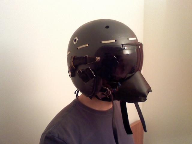 Rénovation casque de pilote aéronavale années 70. 03220810