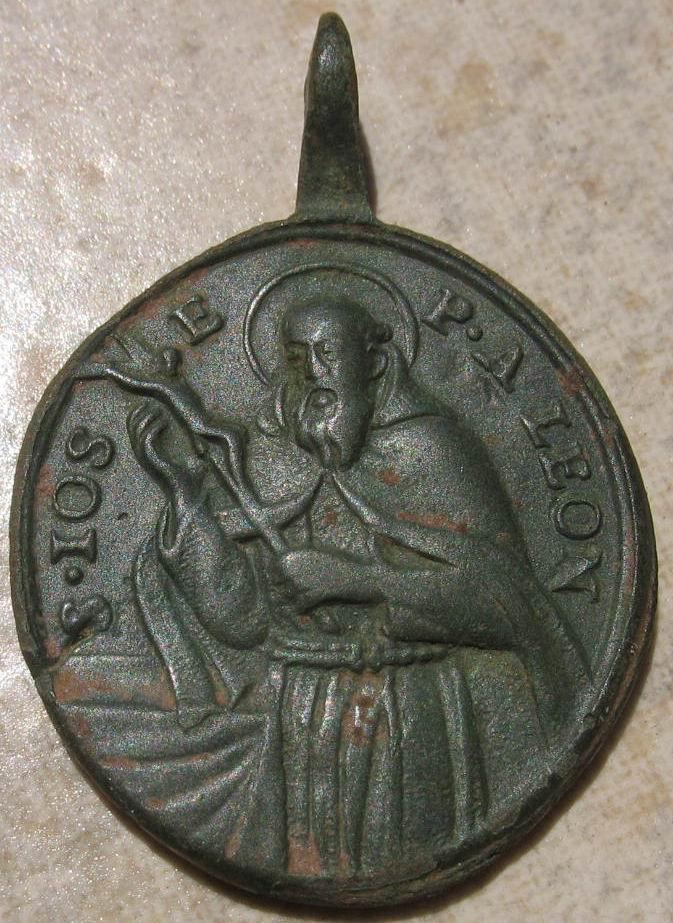 **MAGNIFIQUE** Médaille St-Fidèle-de-Sigmaringen / St-Joseph-de-Leonessa - fin XVII / mi-XVIIIème Img_2811