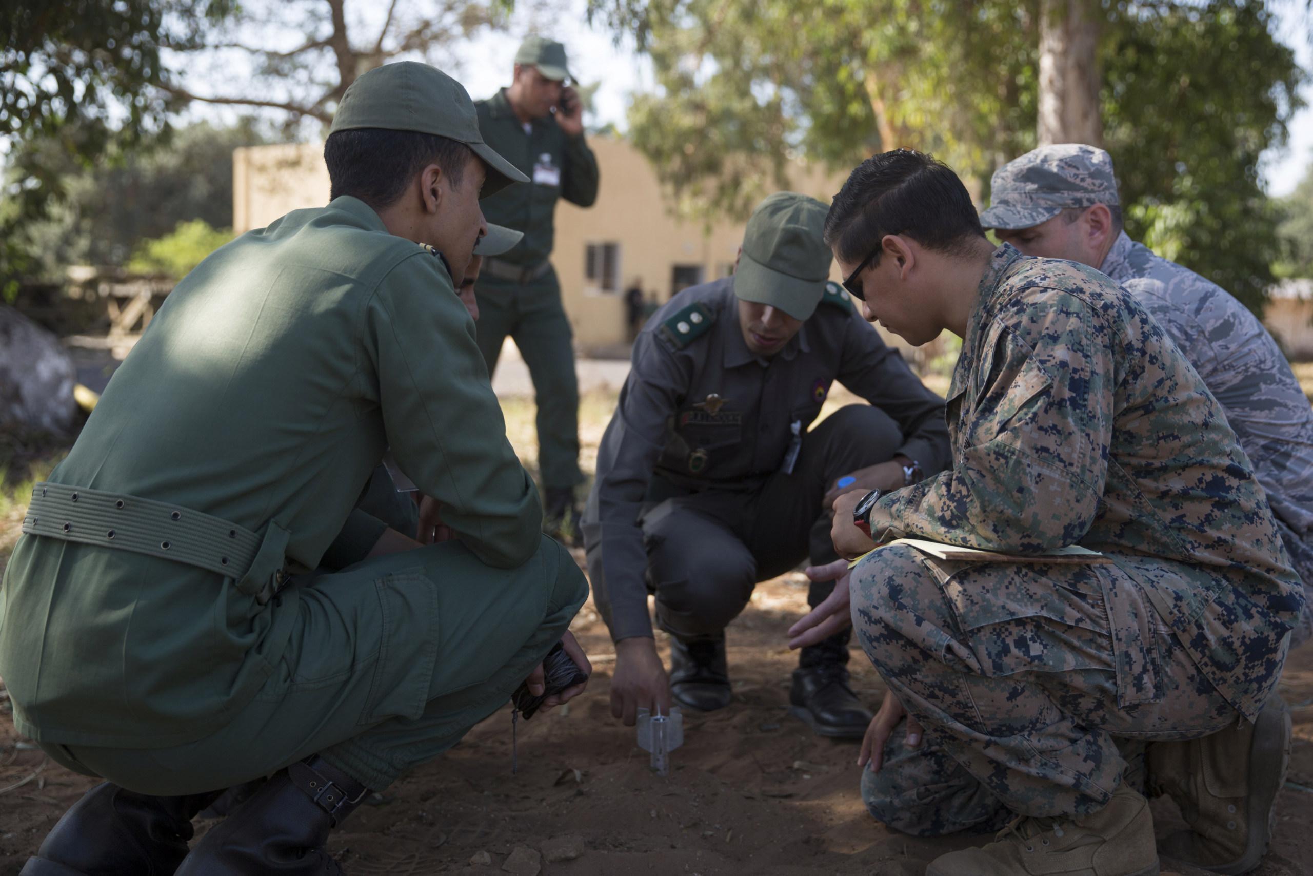Cooperation militaire avec les USA - Page 6 01010