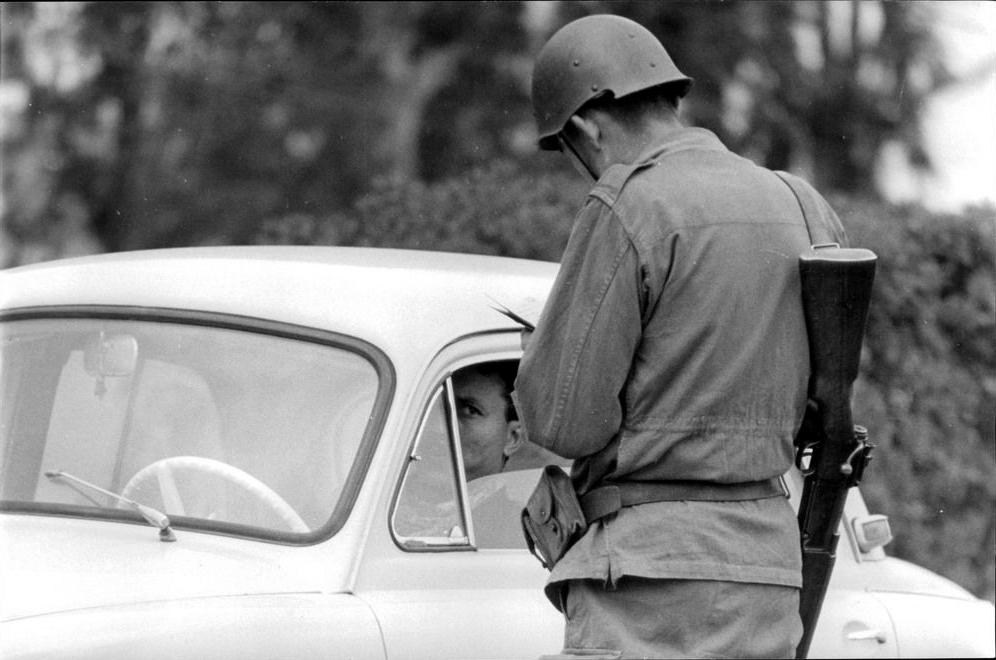 Photos - Guerre des Sables - 1963 - Page 8 01111