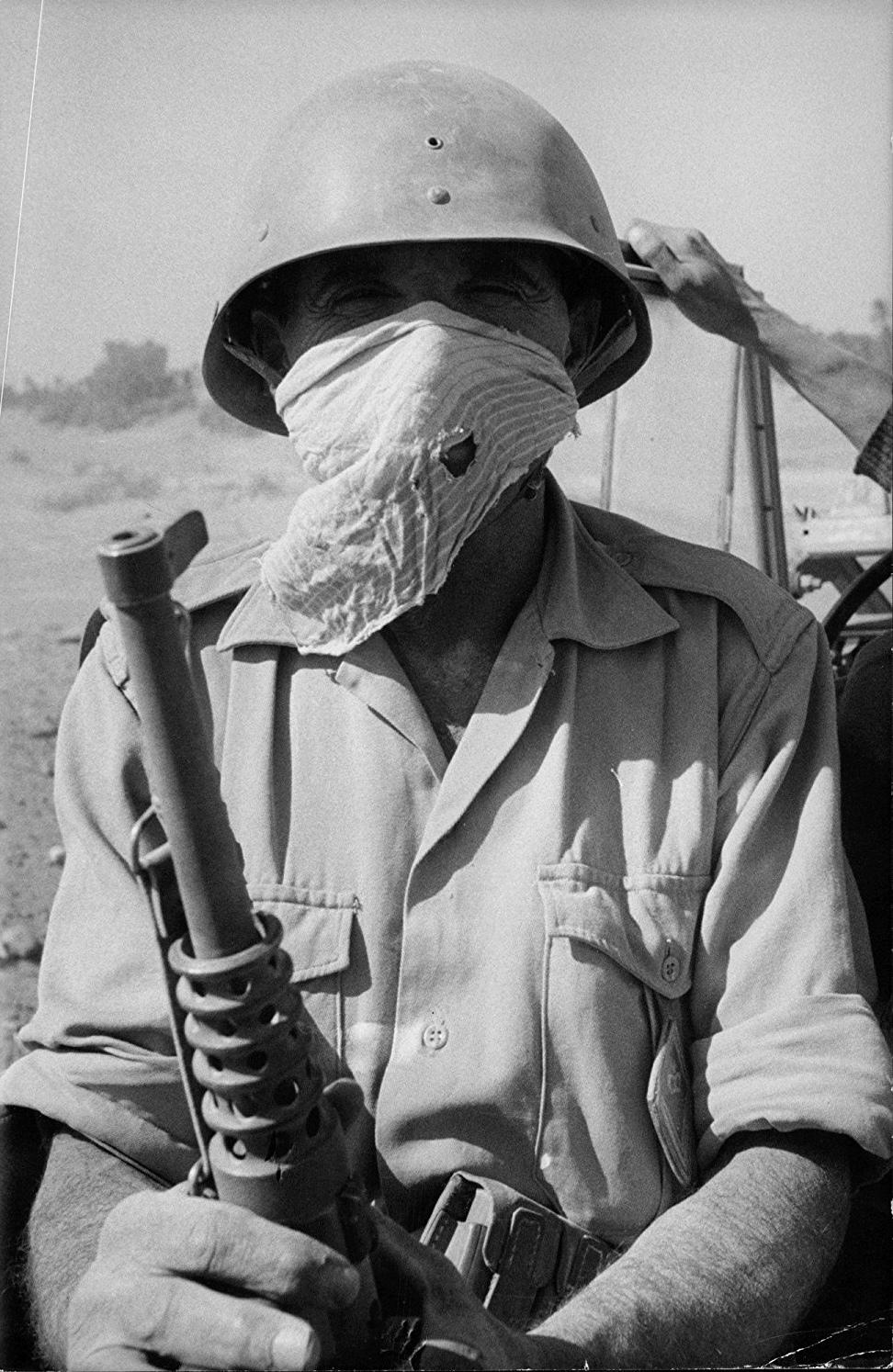 Photos - Guerre des Sables - 1963 - Page 8 01210