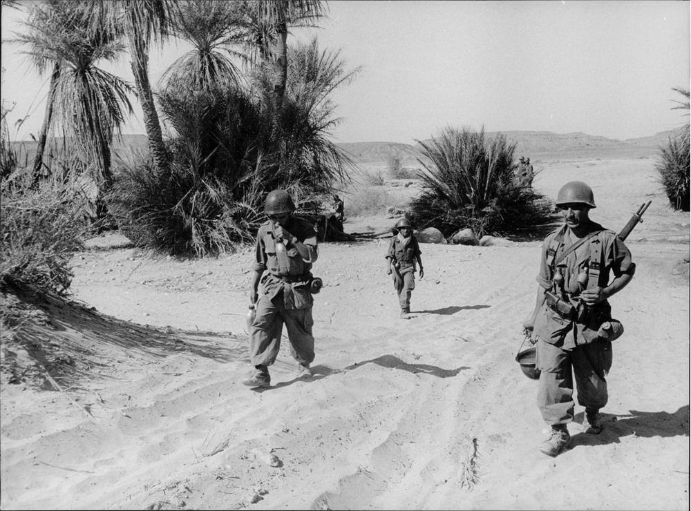 Photos - Guerre des Sables - 1963 - Page 8 100_610
