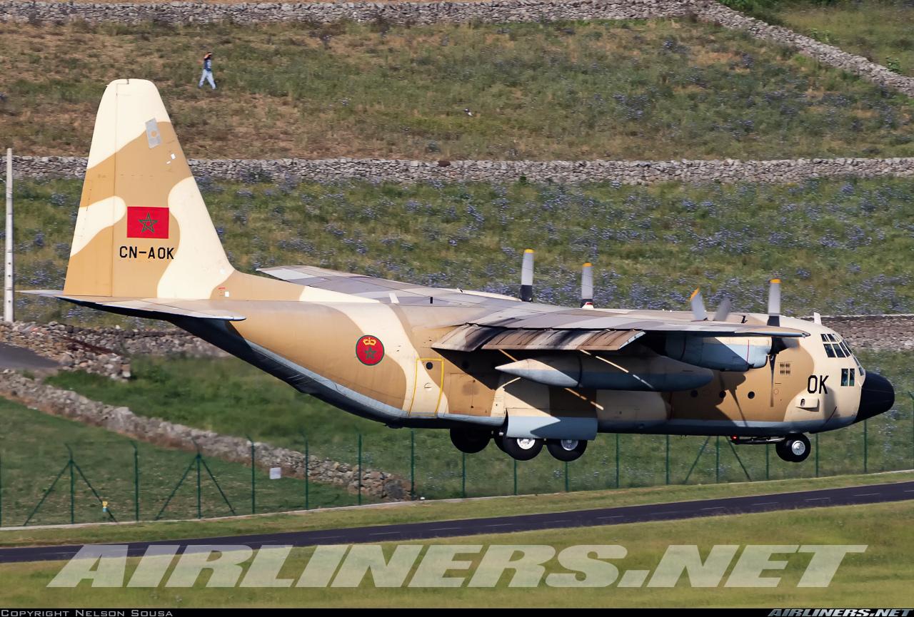 FRA: Photos d'avions de transport - Page 38 56441810