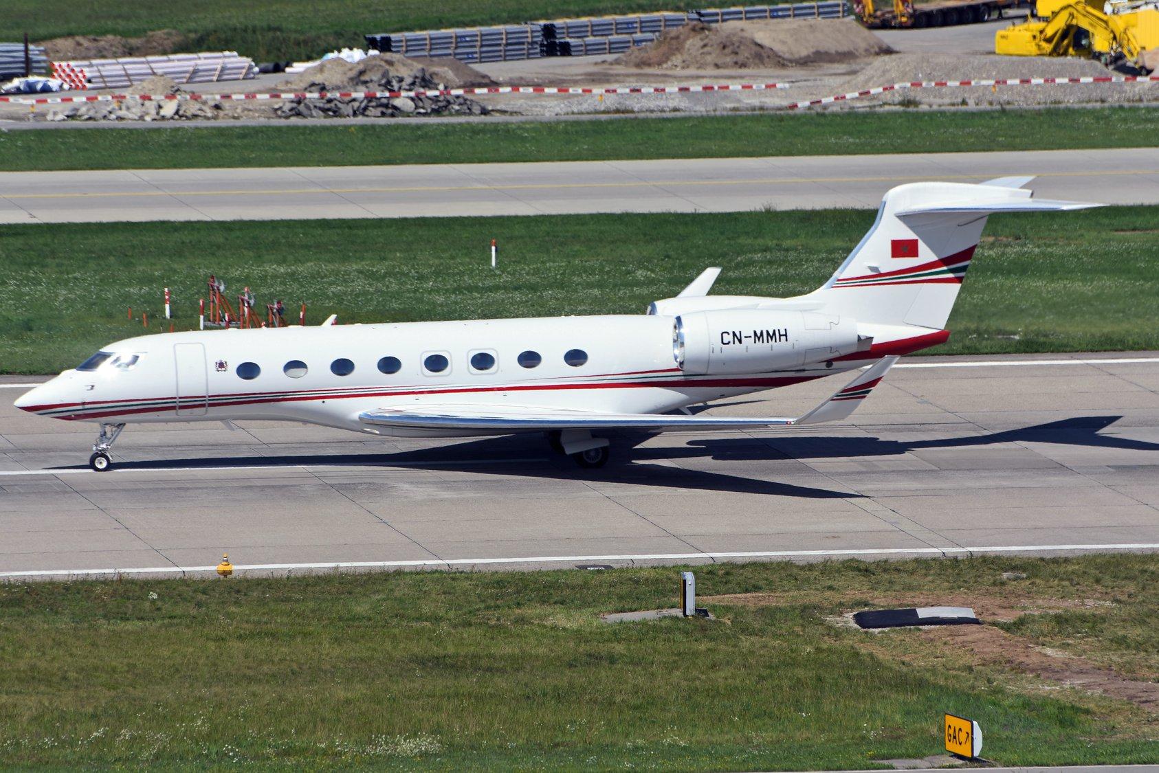 FRA: Avions VIP, Liaison & ECM - Page 23 67760610