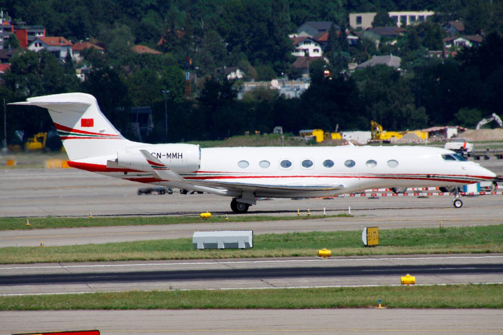FRA: Avions VIP, Liaison & ECM - Page 23 67893310