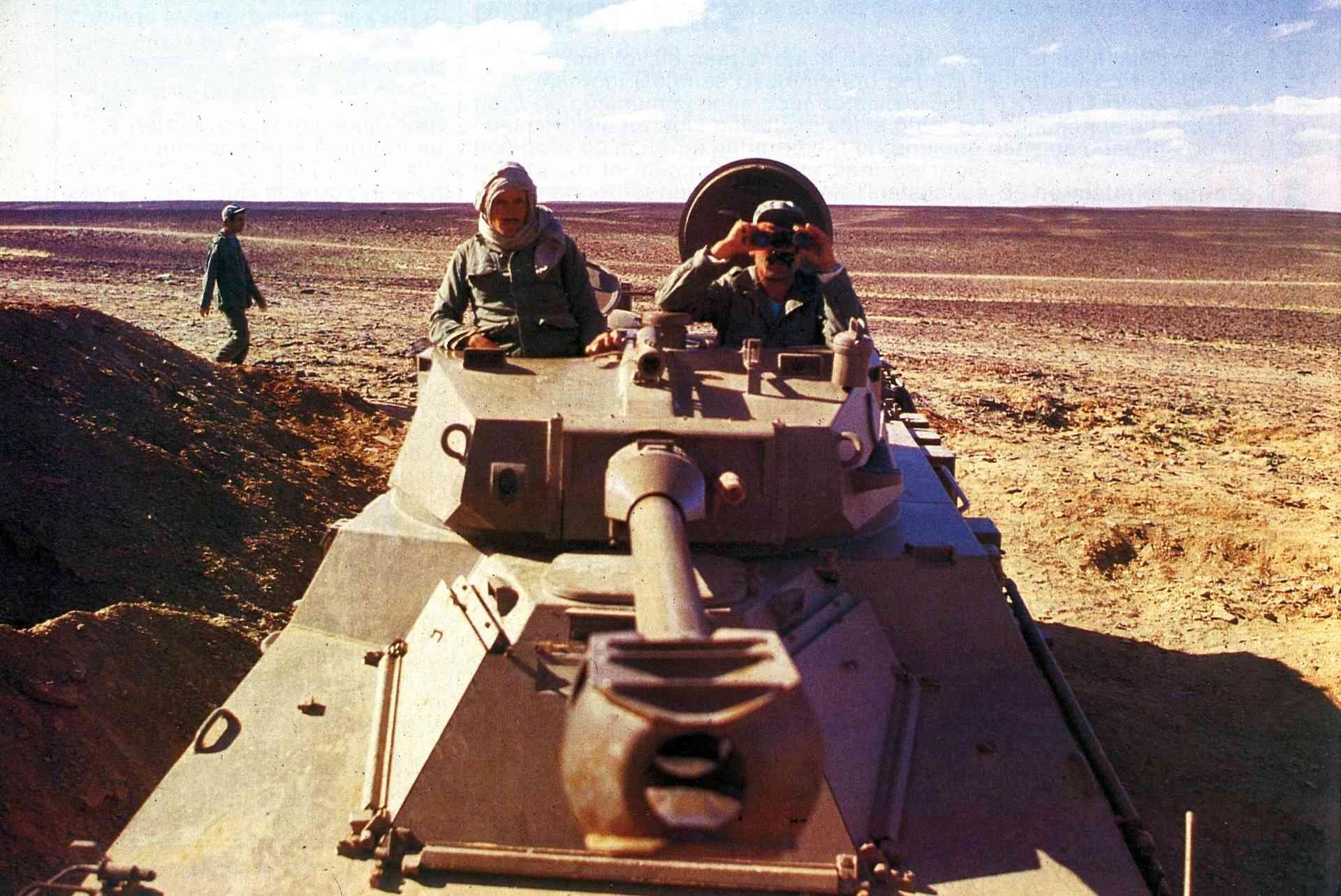 Le conflit armé du sahara marocain - Page 14 Clip1032