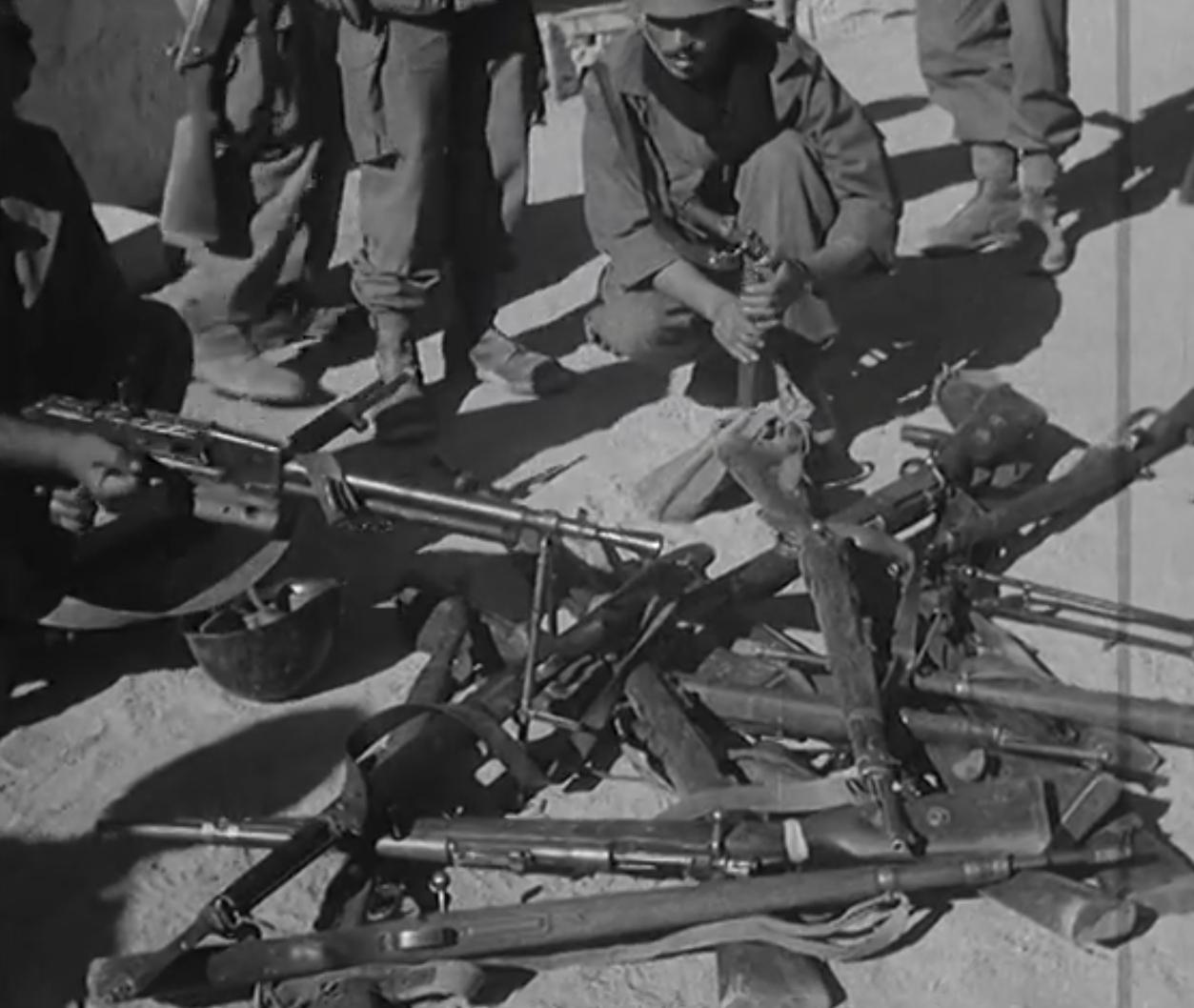 Photos - Guerre des Sables - 1963 - Page 8 Clip1040