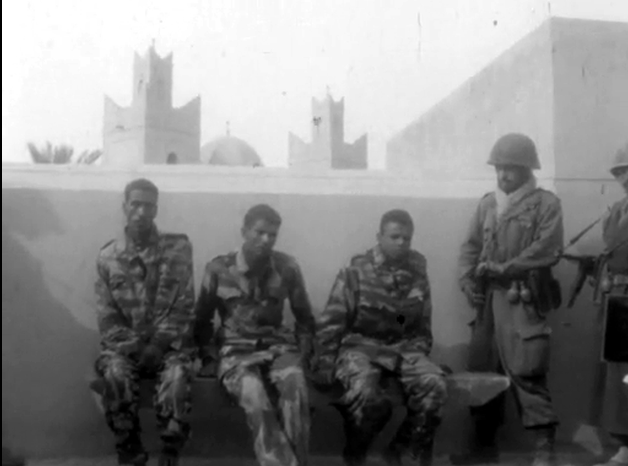 Photos - Guerre des Sables - 1963 - Page 8 Clip1042