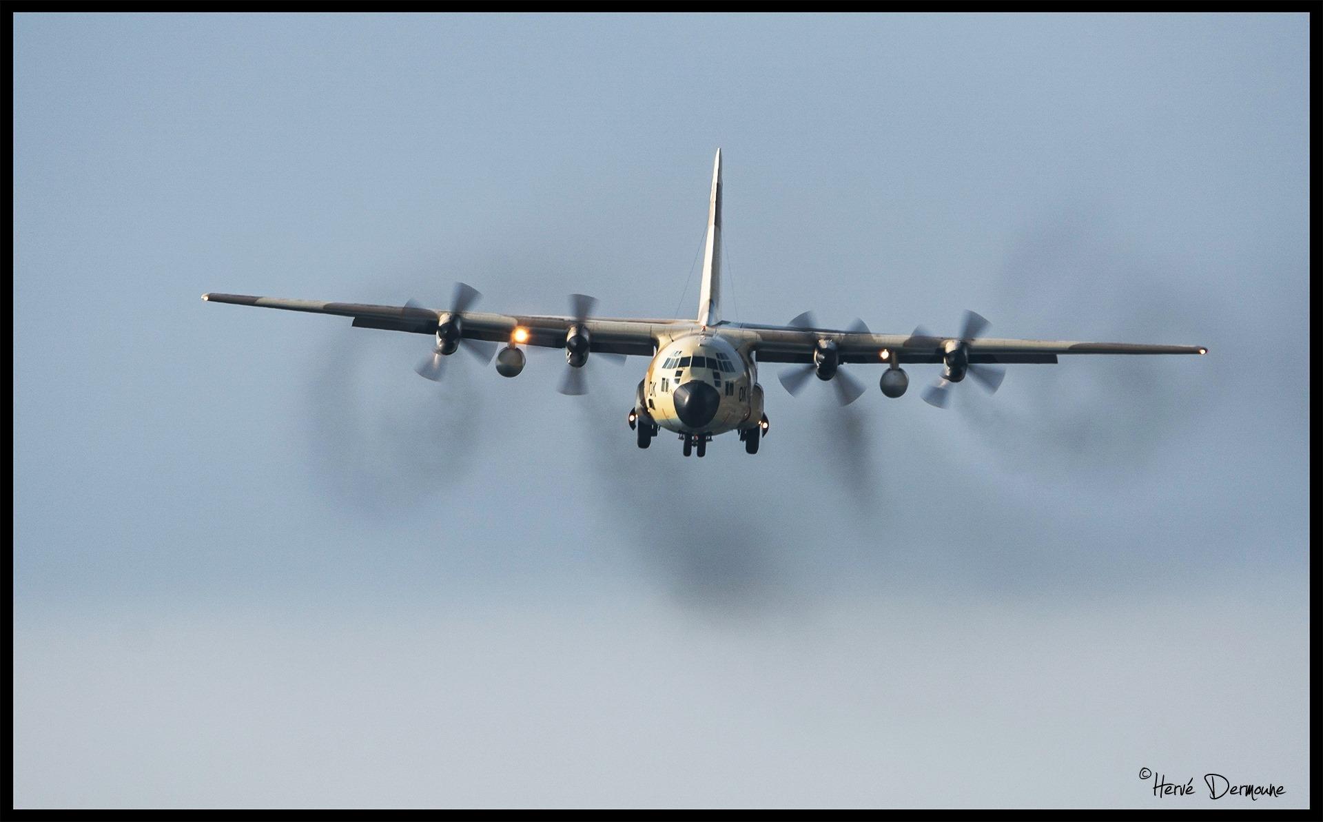 FRA: Photos d'avions de transport - Page 36 Clipb210