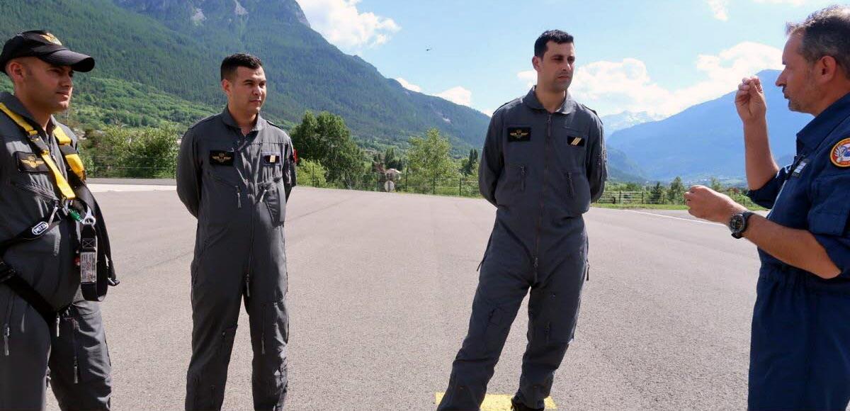 Formation au centre de vol en montagne de Briançon en France Clipb223