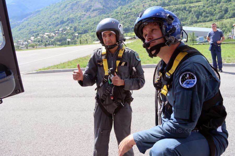 Formation au centre de vol en montagne de Briançon en France Clipb224