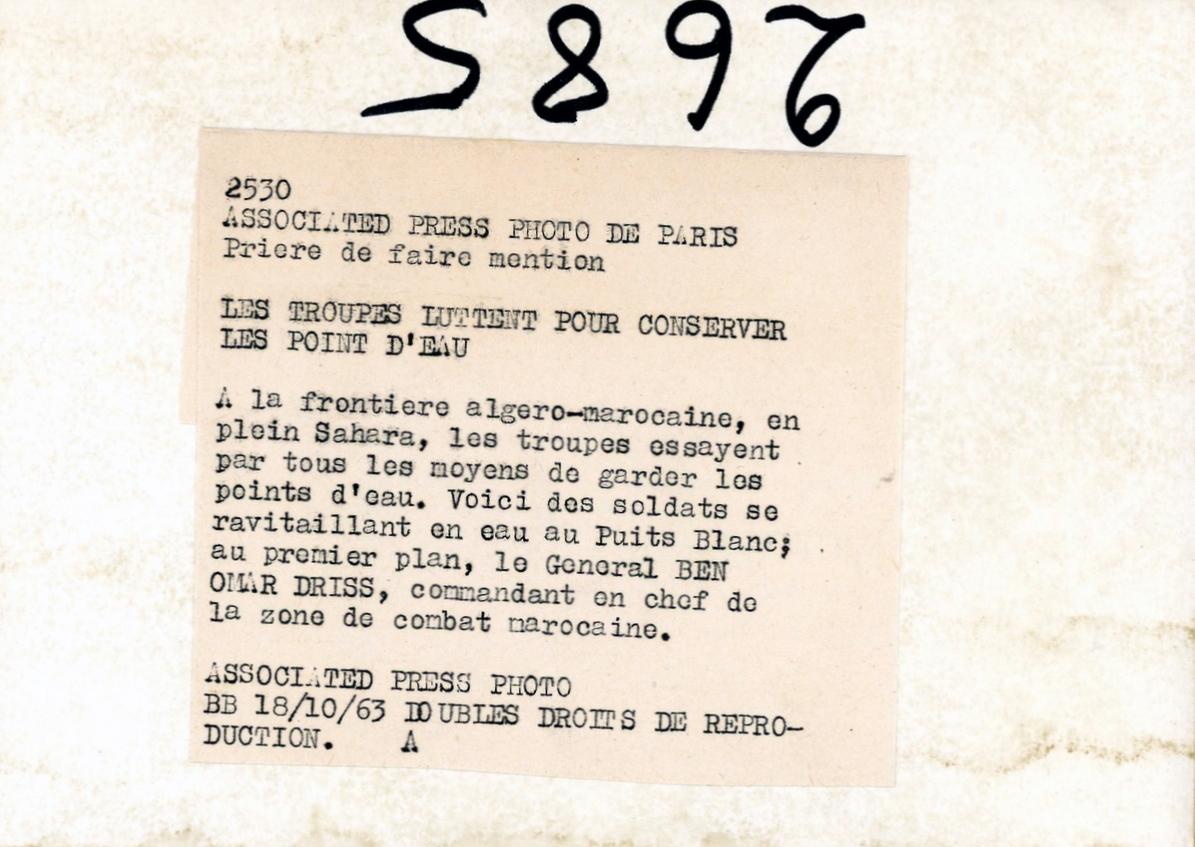 Photos - Guerre des Sables - 1963 - Page 8 Clipb368