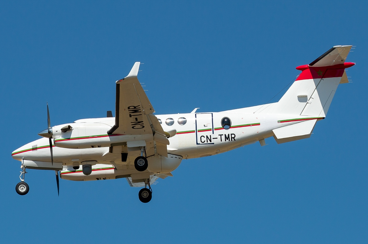 Beechcraft Super King Air 350ER - Page 4 Clipb401