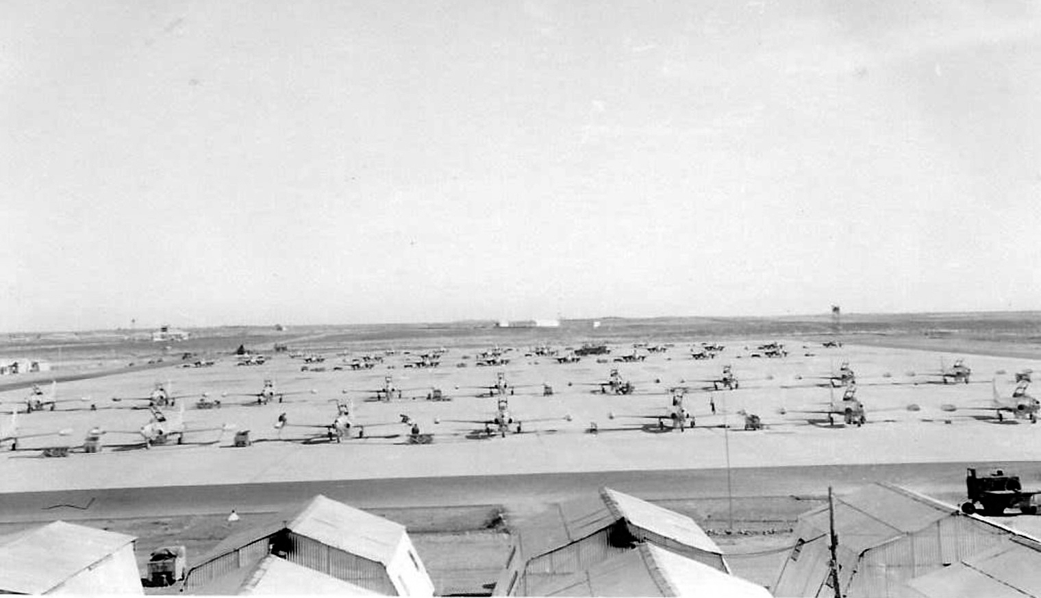 Base aérienne 708 - Meknès Clipb427