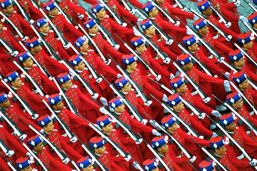 La Garde Royale Marocaine / Moroccan Royal Guard - Page 11 Clipb445