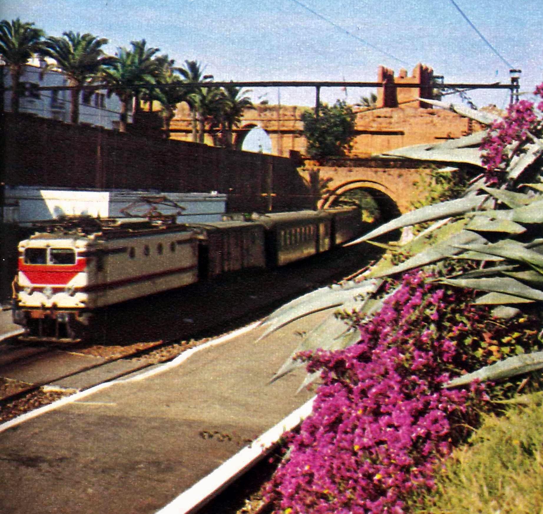 Chemins de Fer au Maroc - ONCF  - Page 3 Clipb693